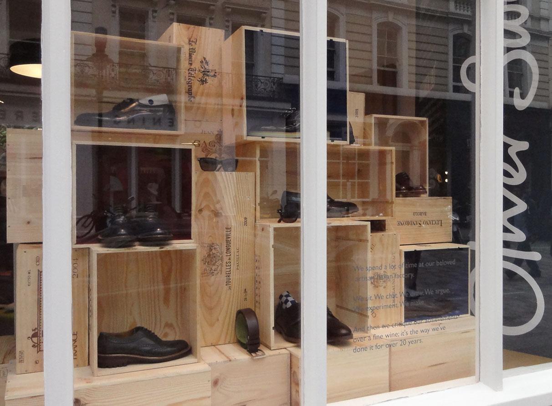 Oliver-Sweeney-window-display-design-wine-crates_01