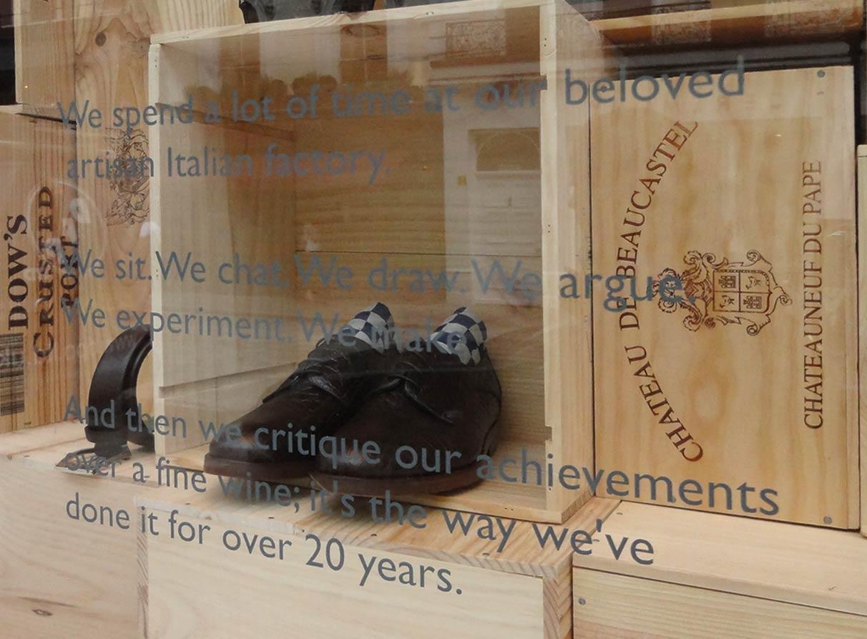 Oliver-Sweeney-window-display-design-wine-crates_02