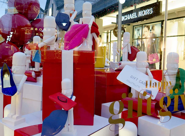 Christmas-window-display-designer giant-presents