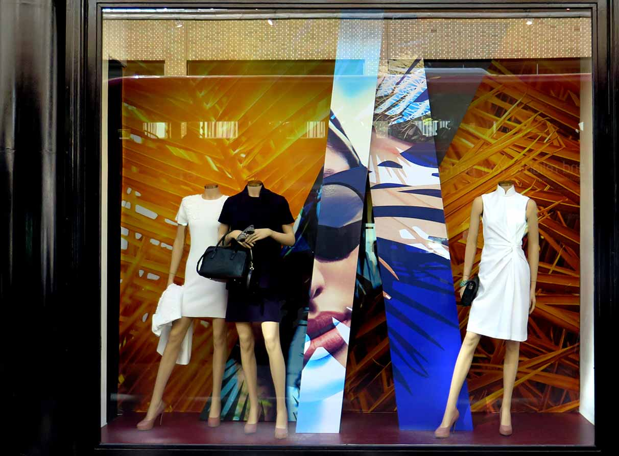 Shanghai-Tang-window-display-London_01